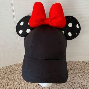 Minnie Mouse black hat with ears and bow